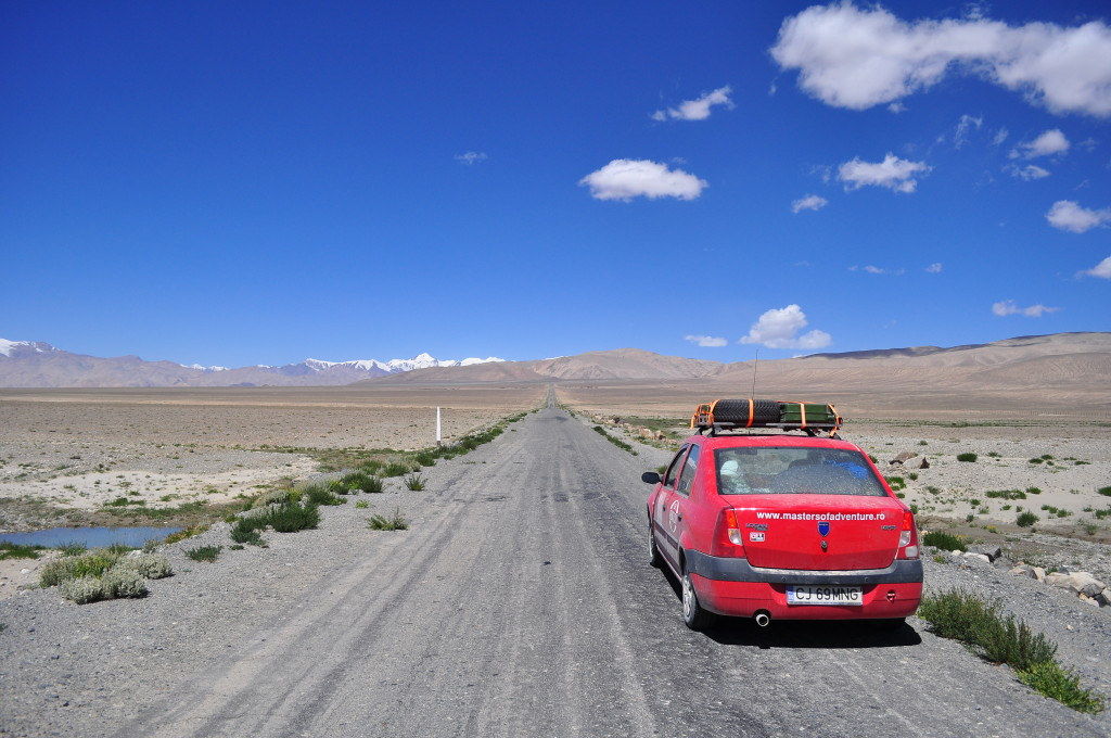 Road near Karakul lake